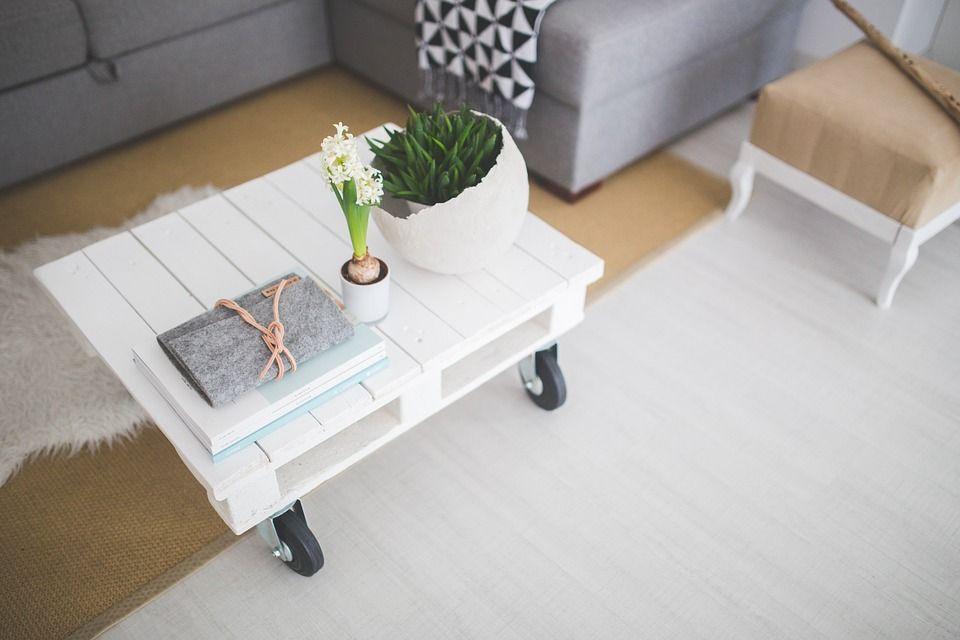 Гостиная в скандинавском стиле: минимализм и практичность
