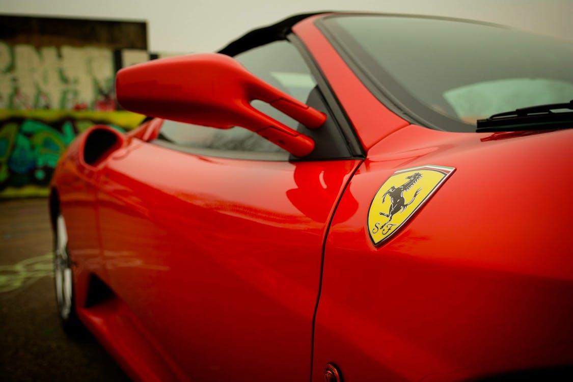 Родстер Ferrari 488 Pista Spider оказался на 100 кг тяжелее купе