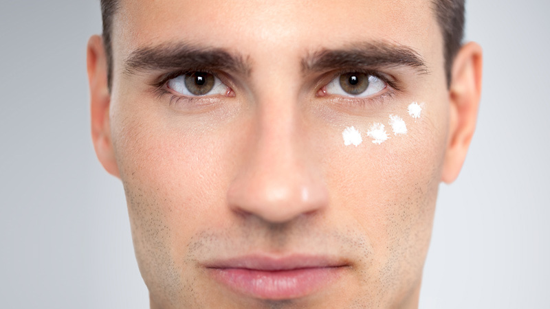Средства вокруг глаз для мужчин