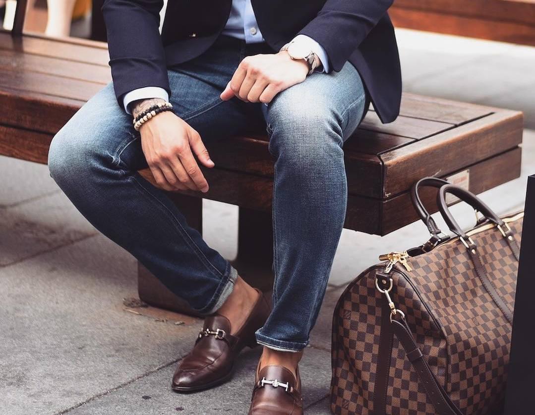 Мужские джинсы в стиле бизнес кэжуал