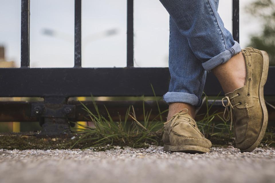 Какую обувь надеть с джинсами, чтобы не ошибиться