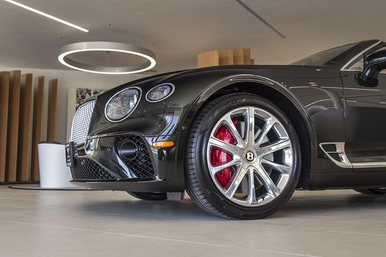 Автомобиль Bentley Continental GT