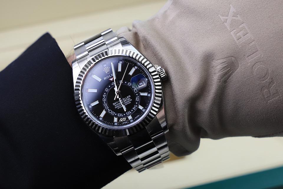 5 способов обнаружить поддельные часы